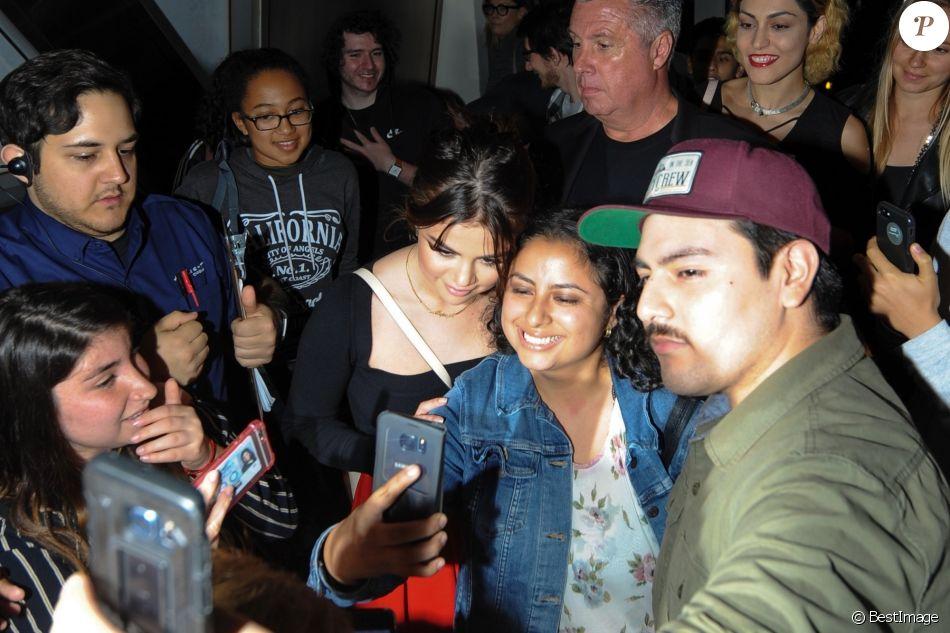 selena gomez rencontre une fan