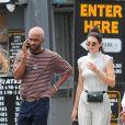 Kendall Jenner se promène avec Frank Ocean et Luka Sabbat à New York le 2 juin 2017.