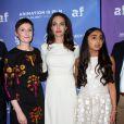 """Nora Twomey, Angelina Jolie et Saara Chaudry lors de la première de """"The Breadwinner """" au TCL Chinese à Los Angeles le 20 octobre 2017. © AdMedia via ZUMA Wire / Bestimage"""