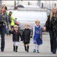 Coleen Rooney : en attendant d'être maman, elle s'exerce avec les enfants des autres