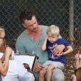 Josh Duhamel et son fils Axl vont à une fête d'anniversaire à Brentwood le 17 septembre 2017