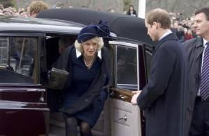 Quand la famille royale d'Angleterre rend hommage à la reine-mère, des looks... euh... improbables ! Regardez !