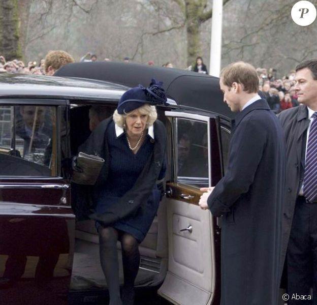 Camilla à l'inauguration du mémorial pour la reine-mère. 24/02/09