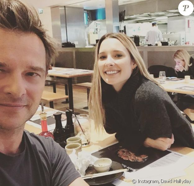 David Hallyday et sa fille aînée Ilona Smet déjeunent à Londres, le 3 novembre 2017.