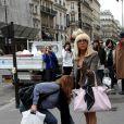 Lady GaGa a profité de son passage à Paris pour se promener... à l'aise !