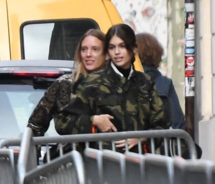 Kaia Gerber : À Paris sans Cindy Crawford, sur invitation de Karl Lagerfeld