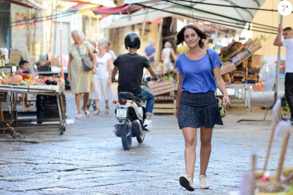Exclusif - La présentatrice Carolina De Salvo pose dans les rues de Palerme, Sicile, Italie, le 15 septembre 2017.