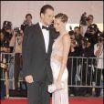 Gisele Bündchen et Tom Brady, amoureux comme au premier jour, étaient très élégants en mai 2008 lors d'un gala à NY