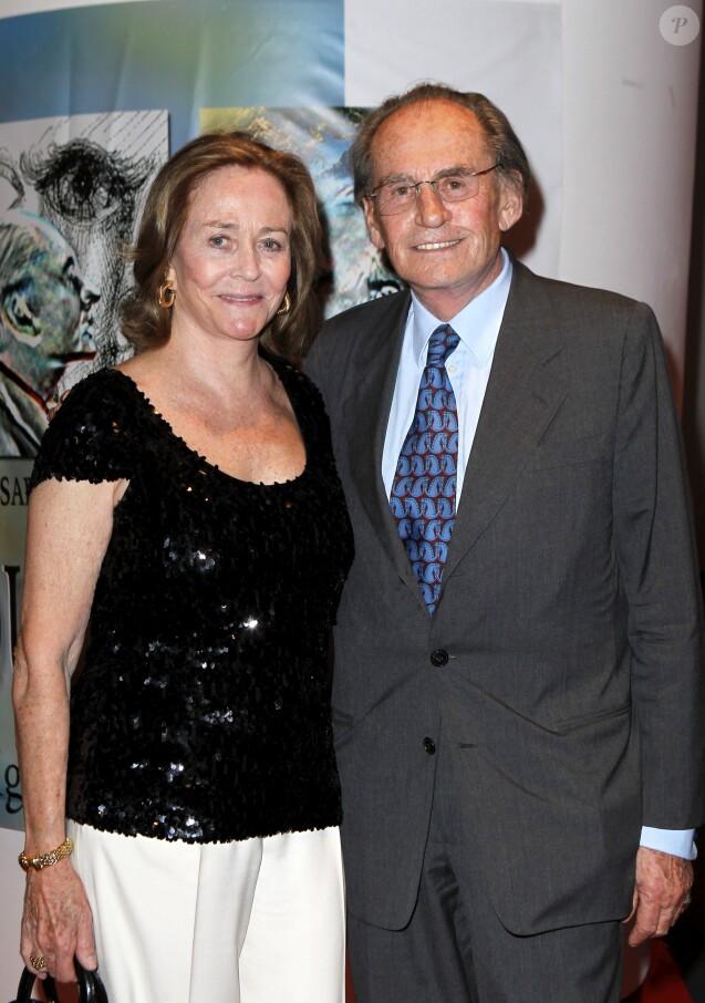 Exclusif - Pal Sarkozy et sa femme Inès - Vernissage de l'exposition des tableaux de Pal Sarkozy à l'espace Cardin, Paris, le 24 avril 2010.