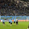 Les supporters de l'Olympique de Marseille (OM) ont déployé des banderoles de soutien à Bernard Tapie atteint d'un cancer lors du match OM-Toulouse, le 24 septembre 2017.