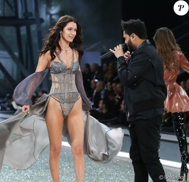 Bella Hadid et son ex-compagnon The Weeknd - Défilé Victoria's Secret Paris 2016 au Grand Palais à Paris, le 30 novembre 2016. © Cyril Moreau/Bestimage