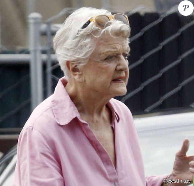 Exclusif - Angela Lansbury fait ses courses à Brentwood le 8 septembre 2014.