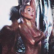 Kim Kardashian : Nue et couverte de paillettes pour les fêtes