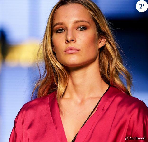 """Ilona Smet en coulisses - 10e édition du """"Etam Live Show"""" (Etam Lingerie) lors de la Fashion Week à Paris, France, le 26 septembre 2017. Rachid Bellak/Bestimage"""