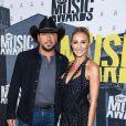 Jason Aldean et sa femme Brittany Kerr, alors enceinte de leur fils Memphis, lors des CMT Music awards' au Music City Center à Nashville le 7 juin 2017.