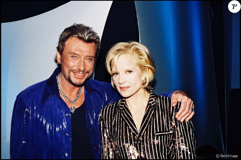 sylvie vartan a le coeur bris par la mort de johnny hallyday purepeople. Black Bedroom Furniture Sets. Home Design Ideas