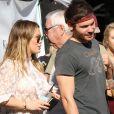 Hilary Duff et son compagnon Matthew Koma passent la journée au Farmers Market à Los Angeles, le 26 novembre 2017