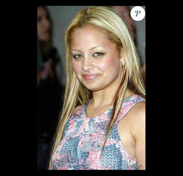 Méconnaissable notre Nicole! Soirée Simple Life à L.A, le 25 avril 2003