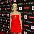 Encore un effort Nicole... Il faut oublier les Ugg sur les tapis rouges ! Soirée Love organisée par le magazine Maxim le 15 février 2004