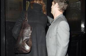 Jude Law : quand il sort tard le soir... toujours accompagné hein ! Vilain tombeur va !