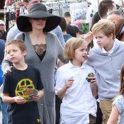 Angelina Jolie : Sans soutien-gorge pour une virée aux puces avec les enfants