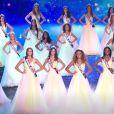 Les 30 Miss rendent hommage à l'icône Johnny Hallyday en tenue de gala - Concours Miss France 2018. Sur TF1, le 16 décembre 2017.