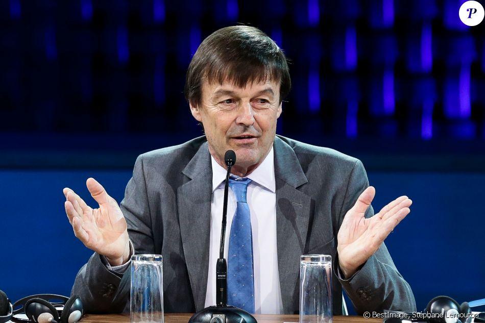 Nicolas hulot ministre de la transition cologique et solidaire one planet summit table - Comment mettre la table en france ...