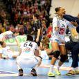 Beatrice Edwige célèbrent sa victoire - L'équipe de France de handball féminin a remporté son deuxième Championnat du monde en battant la Norvège (23-21) à Hambourg, le 17 décembre 2017. © JLPPA/Bestimage