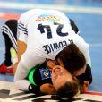 Amandine Leynaud et Beatrice Edwige célèbrent leur victoire - L'équipe de France de handball féminin a remporté son deuxième Championnat du monde en battant la Norvège (23-21) à Hambourg, le 17 décembre 2017. © JLPPA/Bestimage