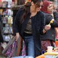 """Sandra Bullock et Mindy Kaling sur le tournage de """"Oceans 8"""" à New York, le 13 décembre 2016"""