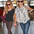 Reese Witherspoon et sa fille Ava Phillippe à l'aéroport à Los Angeles le 31 mai 2013