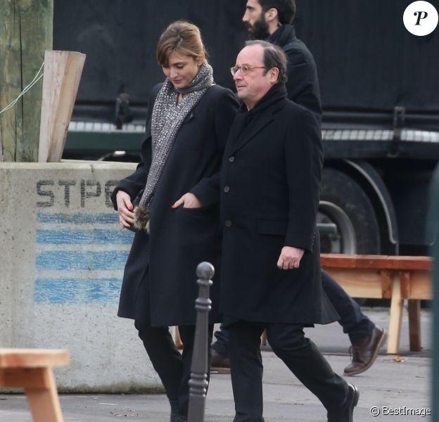 Julie Gayet et son compagnon François Hollande - Sorties de l'église de la Madeleine après les obsèques de Johnny Hallyday à Paris - Le 9 décembre 2017