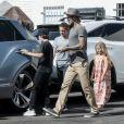 Exclusif - David Beckham emmène ses enfants Cruz, Romeo et Harper prendre le petit déjeuner à West Hollywood, le 11 août 2017.