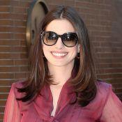 """Anne Hathaway malade comme un chien et au naturel... mais """"solidaire"""""""