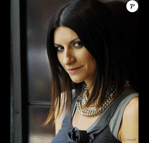 La belle chanteuse italienne Laura Pausini