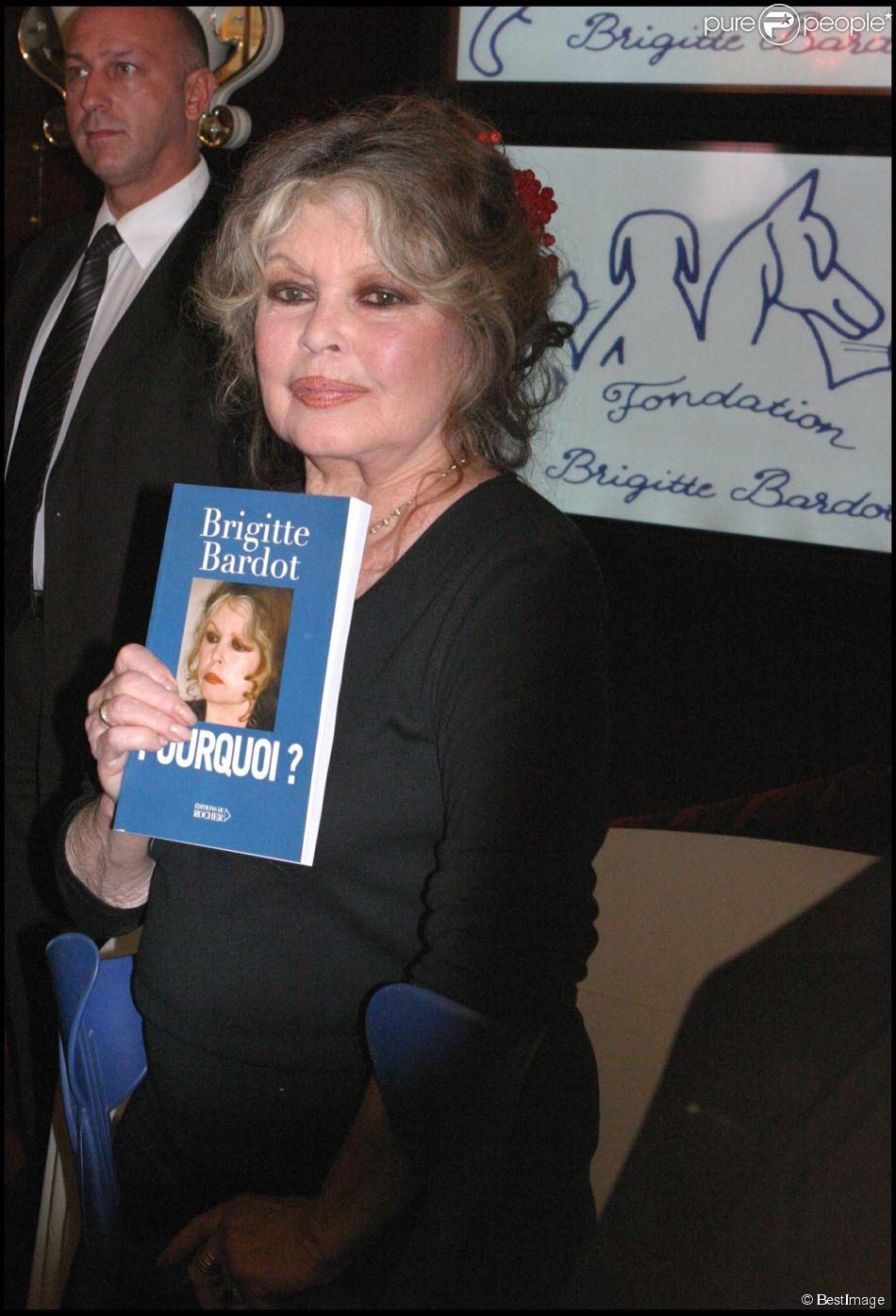 Brigitte Bardot lors des 20 ans de sa Fondation à Paris le 28 septembre 2006