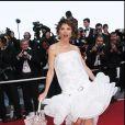 """VICTORIA ABRIL - MONTEE DES MARCHES DU FILM """"CACHE"""" - 58 EME FESTIVAL DE CANNES 2005 14/05/2005"""
