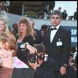 """""""VICTORIA ABRIL"""" - MONTEE DES MARCHES """"THE BRAVE"""" 50EME FESTIVAL INTERNATIONAL DU FILM CANNES 1997 12/05/1997"""