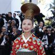 """Victoria Abril - Montée des marches du film """"Les Fantômes d'Ismaël"""" lors de la cérémonie d'ouverture du 70ème Festival International du Film de Cannes. Le 17 mai 2017 © Borde-Jacovides-Moreau/Bestimage"""