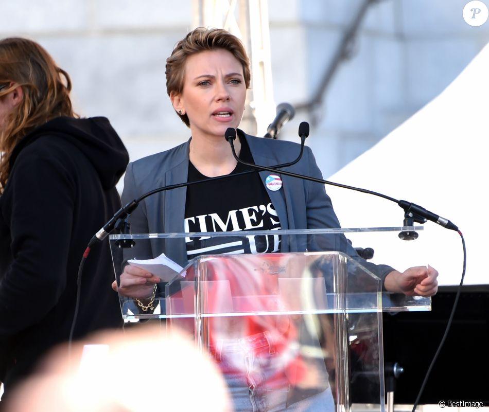 """Scarlett Johansson - Les célébrités lors des manifestations géantes aux États-Unis pour la 2e """"Marche des femmes"""" anti-Trump à Los Angeles le 20 janvier 2018.  Celebrities at the 2018 Women's March held in Los Angeles on January 20, 201820/01/2018 - Los Angeles"""