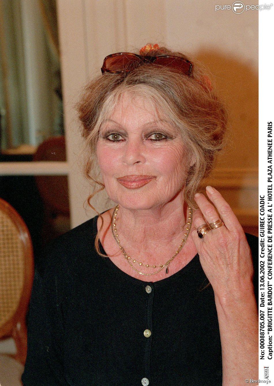 Brigitte Bardot à Pairs le 13 juin 2002