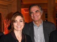 Julie Gayet : Radieuse au bras de l'un des hommes de sa vie, son père Brice