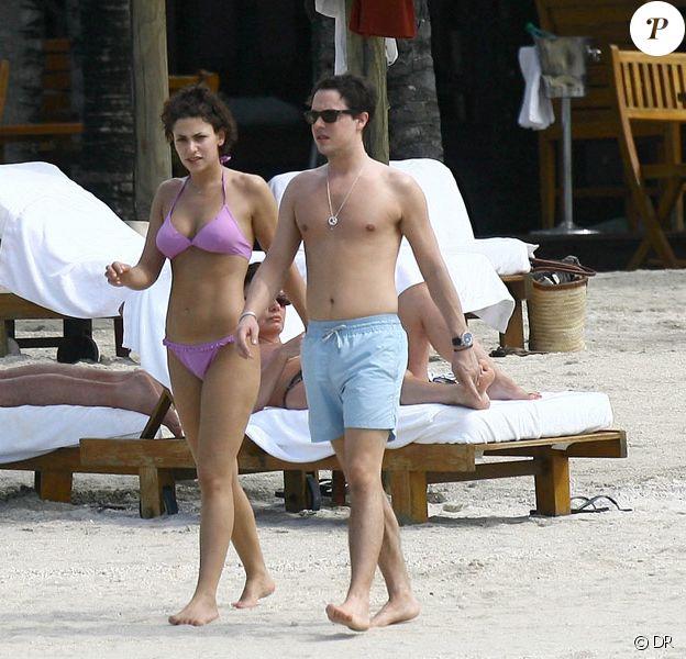 Davy Sardou et Noémie Elbaz passent leurs vacances à l'Ile Maurice, en février 2009