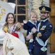 La princesse Sofia et le prince Carl Philip de Suède avec leurs enfants le prince Gabriel et le prince Alexander lors du baptême du prince Gabriel à la chapelle du palais Drottningholm à Stockholm le 1er décembre 2017.