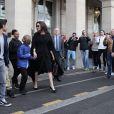 Angelina Jolie et ses enfants, Maddox, Zahara, Shiloh, Pax, Knox et Vivienne à la sortie de l'hôtel Meurice pour se rendre au musée du Louvre à Paris, France, le 30 janvier 2018.