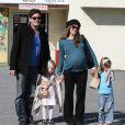 Charlie Sheen et sa femme Brooke Mueller avec les deux filles de Charlie Sam Katherine  et Lola Rose, qu'il a eu avec Denise Richards