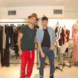 """Bastien Grimal, ex-candidat de """"Secret Story 10"""", lors de sa rencontre avec Alon Livne, qui habille des stars telles que Beyoncé, Kim Kardashian ou Lady Gaga. © Vanessa Attali"""
