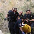 La police emporte le corps de l'acteur Mark Salling à Sunland le 30 janvier 2018. L'acteur Mark Salling devait passer au tribunal d'ici quelques semaines pour une affaire de possession d'images pédopornographiques. Le corps a été retrouvé près d'une berge à Sunland, une banlieue de Los Angeles. © CPA / Bestimage