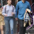 Michael Sheen se balade avec sa fille Lily Mo Sheen dans les rues de New York, le 8 octobre 2017