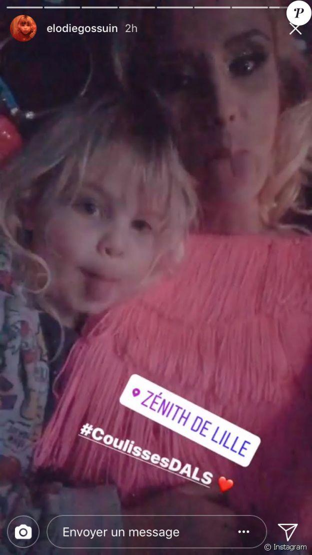"""Elodie Gossuin et sa fille Joséphine dans les coulisses de la tournée """"Danse avec les stars"""". LE 3 février 2018."""